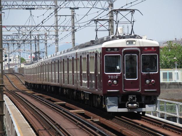 阪急神戸線7000系 7019F