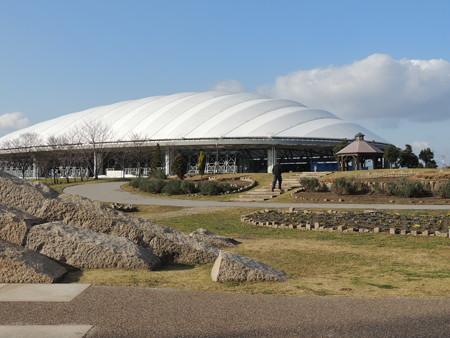 12/21(日) 桑名の輪中ドームでドラゴンズ野球教室がありました(前編)。