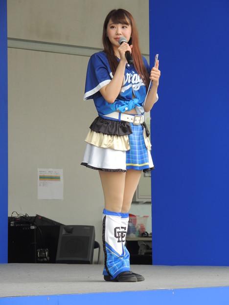 写真: 上田紫音さん。