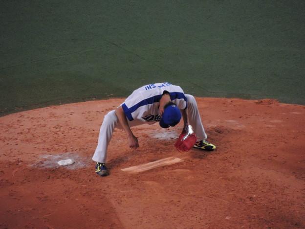 写真: 又吉克樹投手。