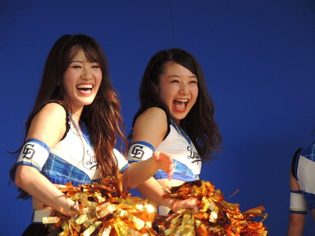 写真: 小木曽さんと向井さん。