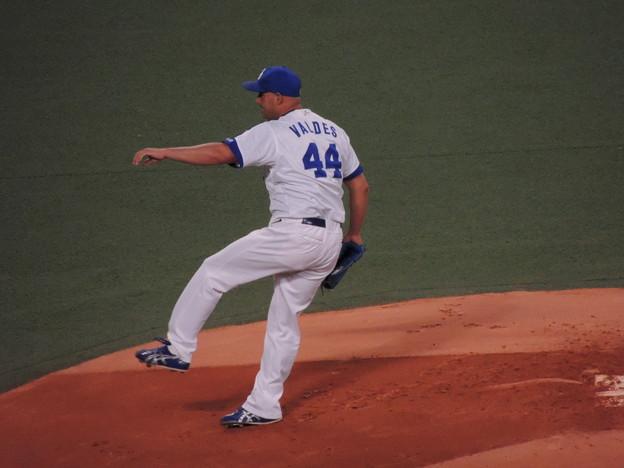 写真: ラウル・バルデス投手。