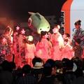 写真: アニメソングで盆ダンス♪