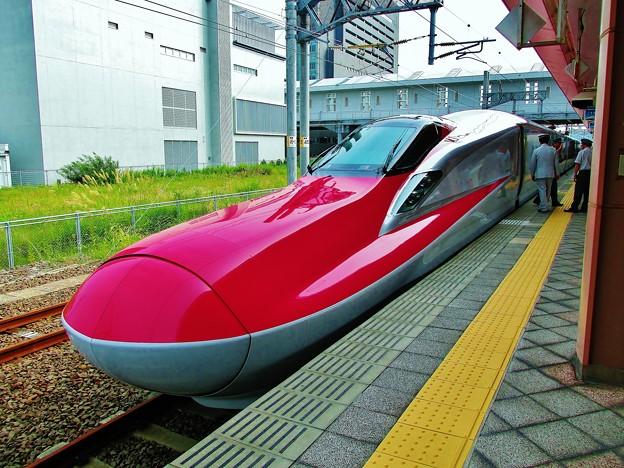 新幹線E6系