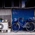 写真: 青い扉