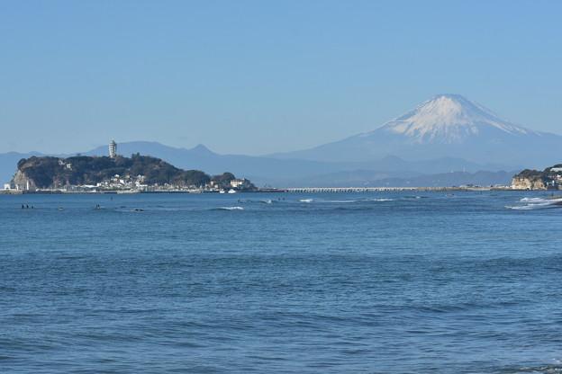 写真: 江ノ島と富士山