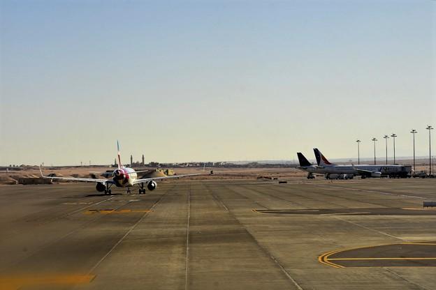 Photos: フルガダ空港8)