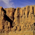 神殿の背後にある山2)