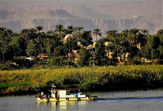 川沿いの風景