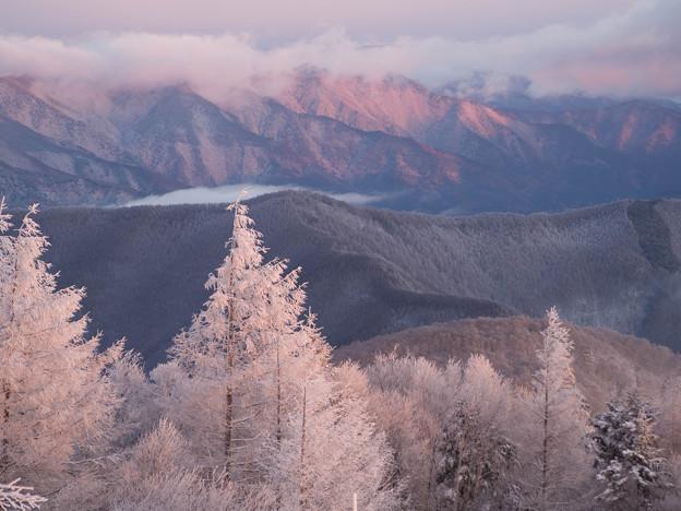 朝陽を浴びる雪景色
