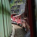 機関車が押し上げる