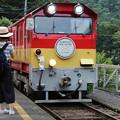 写真: 上り列車到着