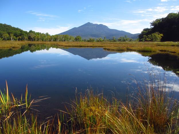 逆さ燧の池塘
