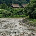 写真: 溪澗的童年