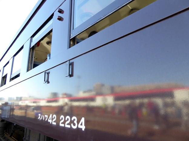 茶色の旧型客車