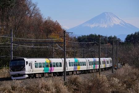 富士山を背に駆けるE257系特急あずさ@長坂~小淵沢