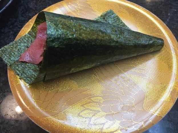 おんまく寿司の手巻きとろ鉄火の手巻き寿司