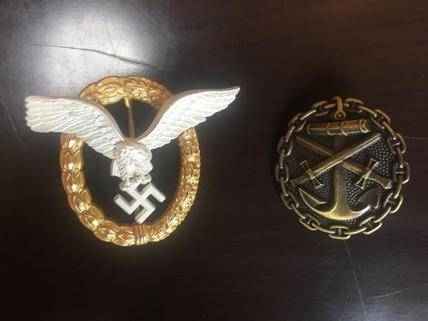エスグラ製の空軍パイロット偵察員章と海軍戦傷章