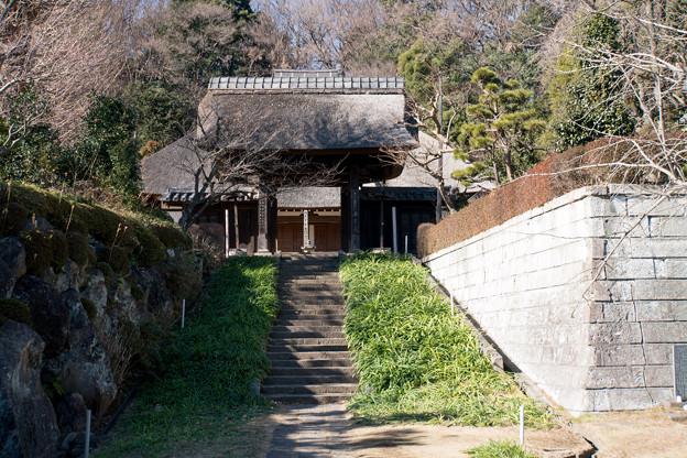 【西方寺の山門】