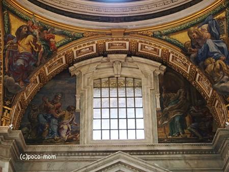 サンピエトロ大聖堂内部2014年10月31日_PA310140