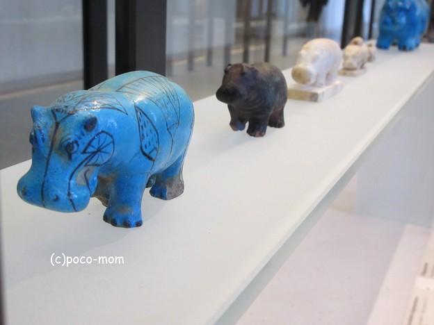 写真: ルーヴル美術館 エジプト美術 青カバ IMG_0327