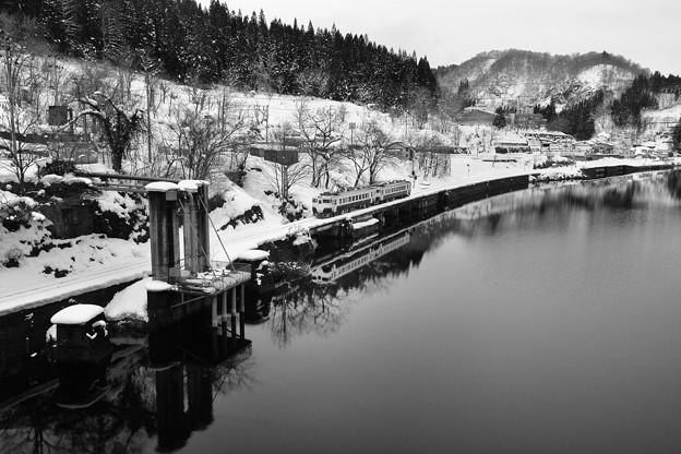 写真: 凍 朝