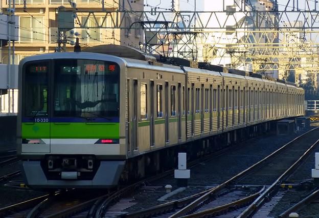 都営10-300R形10-330F(5821レ)各停KO04笹塚