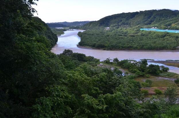 台風一過の相模原市の大島付近の相模川の濁流__6346