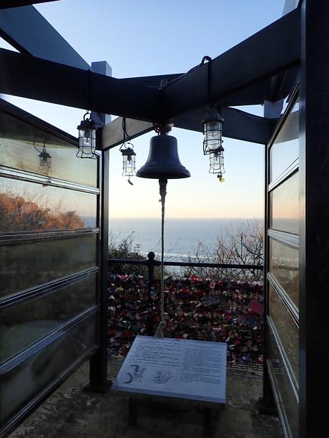 写真: 龍恋の鐘