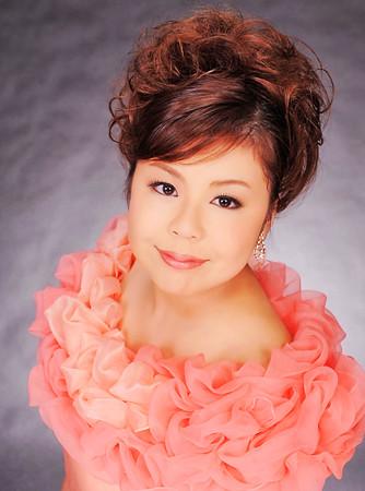 内川奈緒子 うちかわなおこ 声楽家 オペラ歌手 ソプラノ