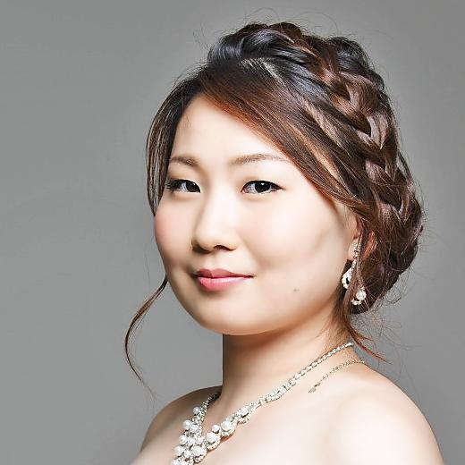 梶田真未 かじたまみ 声楽家 オペラ歌手 ソプラノ       Mami Kajita