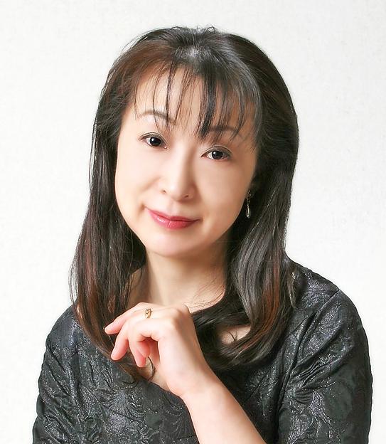 写真: 大畑裕江 おおはたひろえ 声楽家 オペラ歌手 ソプラノ     Hiroe Ohata