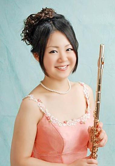 金田桃子 かねだももこ フルート奏者  Momoko Kaneda