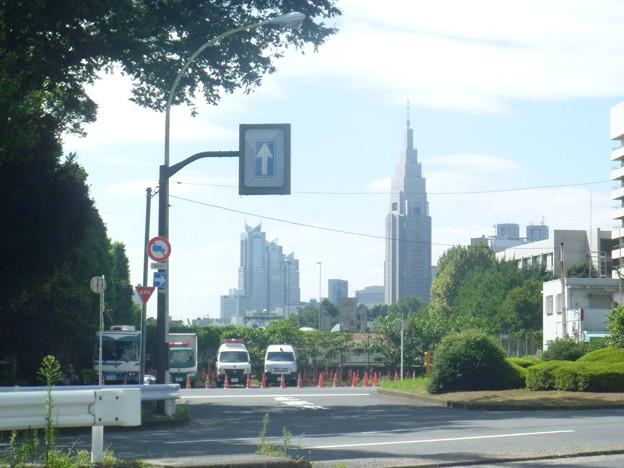 信濃町駅前(昼)