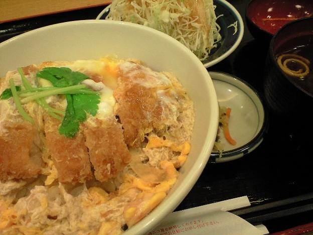 新宿のカツ丼