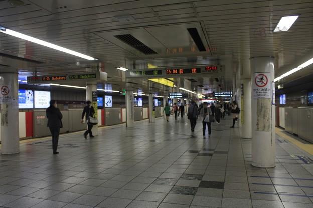 東京メトロ丸ノ内線 新宿駅 ホーム