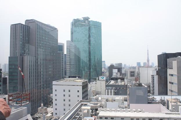 GINZA SIXの屋上階から見た銀座の街並み 19