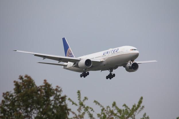 ユナイデッド航空 ボーイング777-200 N216UA