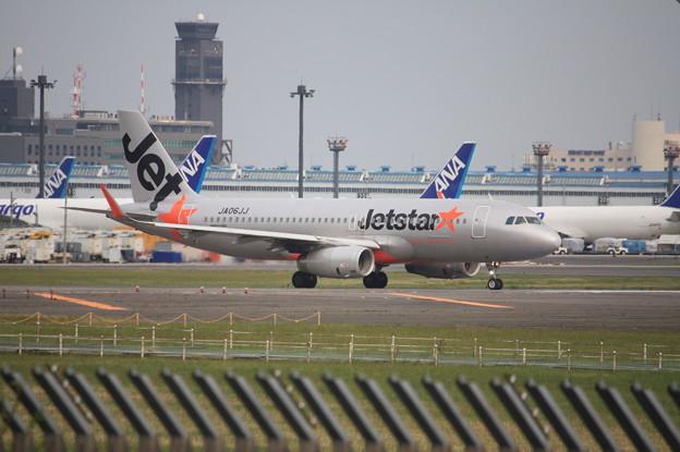 ジェットスタージャパン エアバスA320-200 JA06JJ