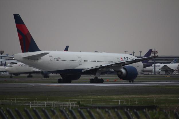 デルタ航空 ボーイング777-200ER N701DN (1)