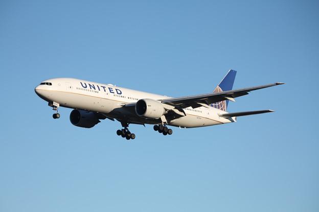 ユナイデッド航空 ボーイング777-200ER N77014