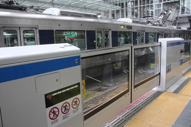 大阪駅のホームドア