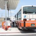 Photos: 東武バスウエスト大宮営業事務所で燃料給油する2835号車