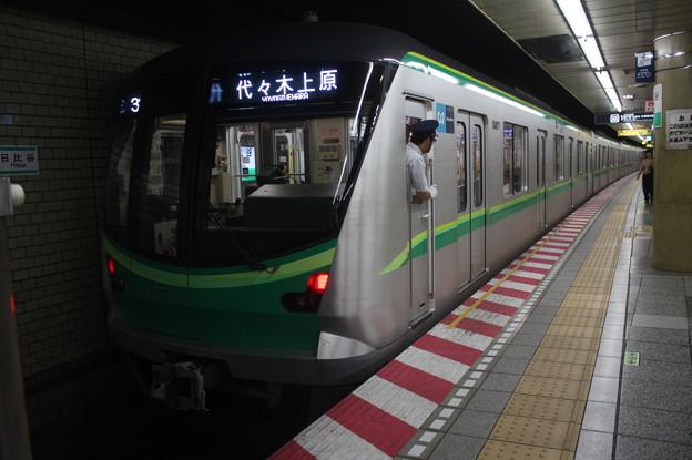 東京メトロ千代田線 16000系16127F