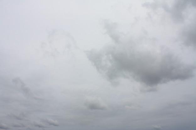 秋の曇り空