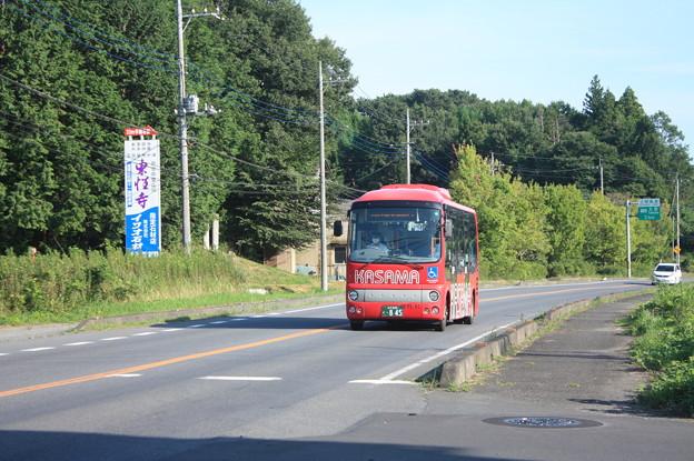 笠間市内を走るかさま観光周遊バス