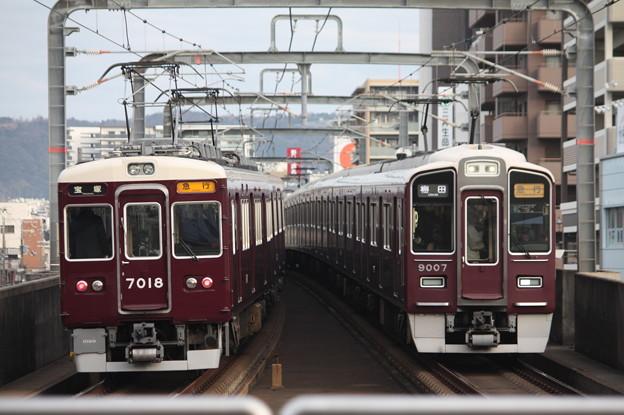 阪急宝塚線 7000系7018F・9000系9007F