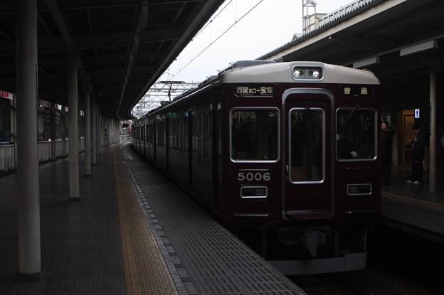阪急今津線 5000系5006F 西宮北口入線