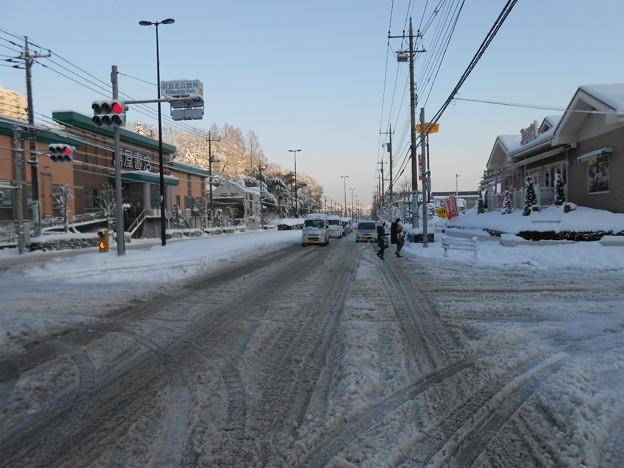 国道鎌倉街道の積雪