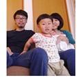 写真: 4人で初めての家族写真。うん、失敗!